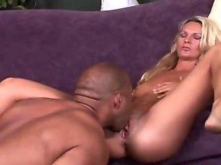 Amateur Housewife Heidi wants big cock