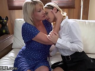 21Sextreme shaved Schoolgirl & Granny Exchange honeypot slurps