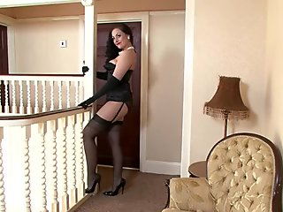 Sexy Housewife With Stockings In Solo Action