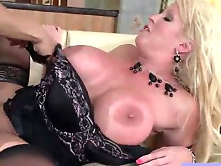 (alura jenson) Hot Milf Like To Suck And Ride A Huge Monster Dick mov-02
