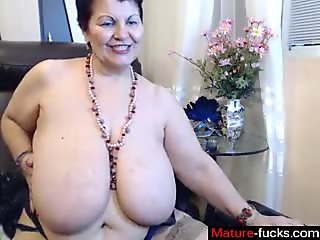 blonde mature is on the webcam doing her thing