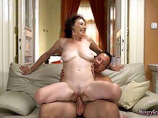 Fucking a Sexy GILF
