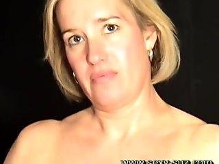 Sexy Suz Masturbating MILF