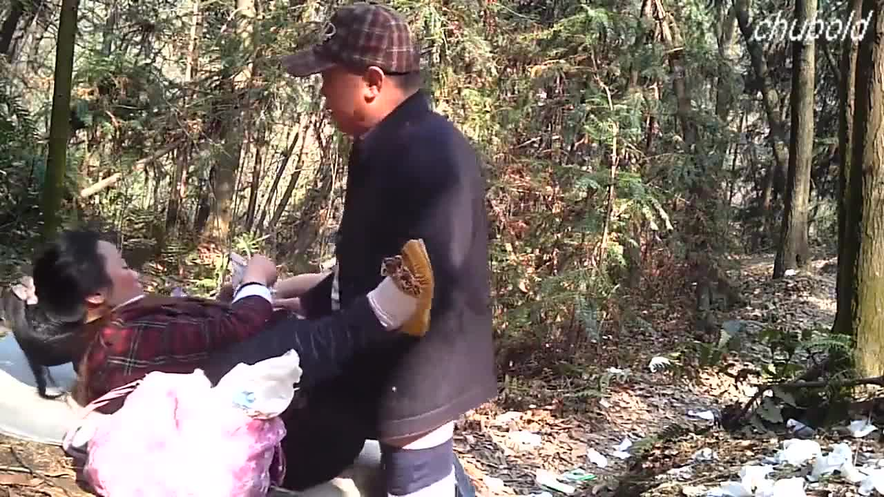 Kakek wanita dewasa fucked di kayu goo.gl/TzdUzu