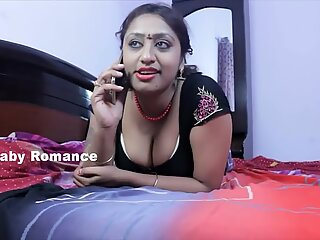 Hot Desi Shortfilm 411 - SriPriya Aunty Navel Kissed & Hot Cleavage Show