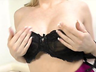 Wild Digging In Seductive Busty Snatch