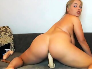 Huge Naturals tits tight wet pussy cumming more on Milfxxxcams.com