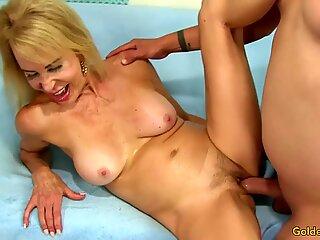 Long Dicked Dude Bangs GILF Erica Lauren