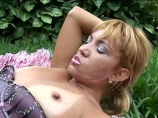 Wondrous voracious hooker in corset Thais gets cunnilingus