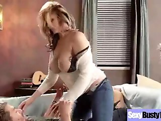 Mature Lady (julia ann) With Big Juggs Enjoy Sex vid-17