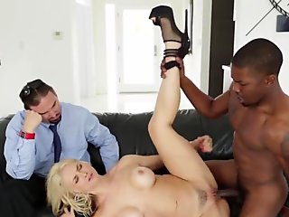 Cuckolding milf banged by big dick