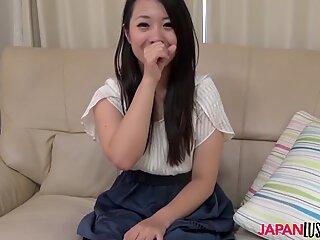 insane japan cougar Yukina Oba hook-up lesson