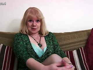 British mature mother getting wet and wild