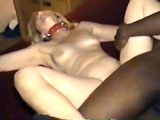 Wife cuckolds hubby taking bbc - 666camz.net